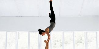 Acro yoga is amazing! I could watch these videos all day!