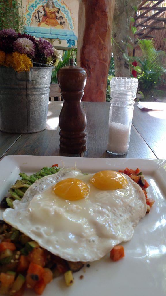 breakfast at Alaya after yoga